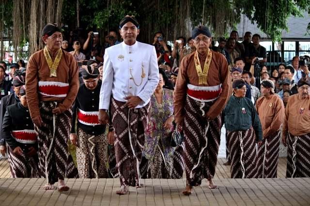 suku suku di pulau jawa