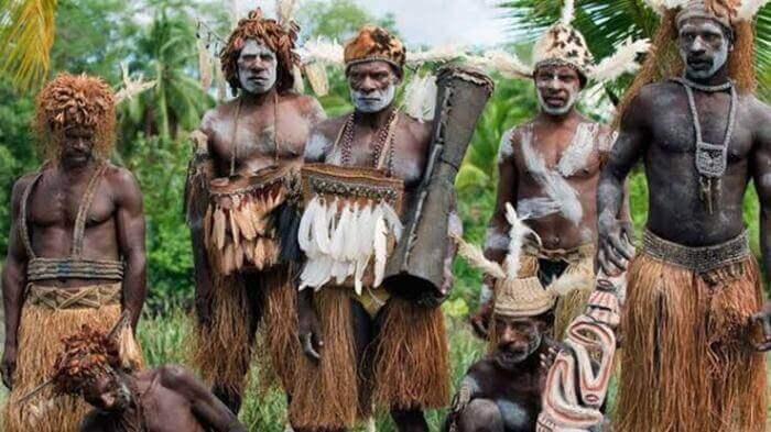 suku suku di pulau papua